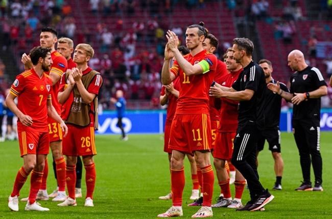 Bale bất lực, CĐV Wales tuyệt vọng trong ngày chia tay EURO 2020 - Bóng Đá