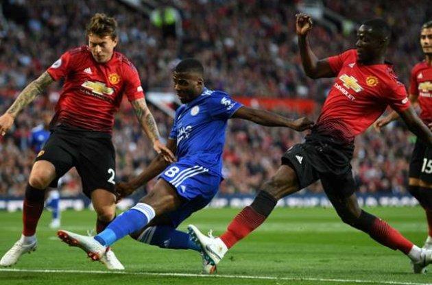 Mourinho sẽ cho Lindelof nhiều cơ hội ra sân mùa này - Bóng Đá