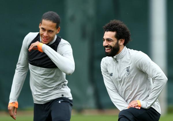 Van Dijk tiết lộ ác mộng Salah sân tập Liverpool - Bóng Đá