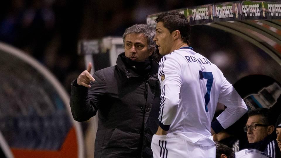 Ronaldo gửi thông điệp đến M.U về Mourinho - Bóng Đá