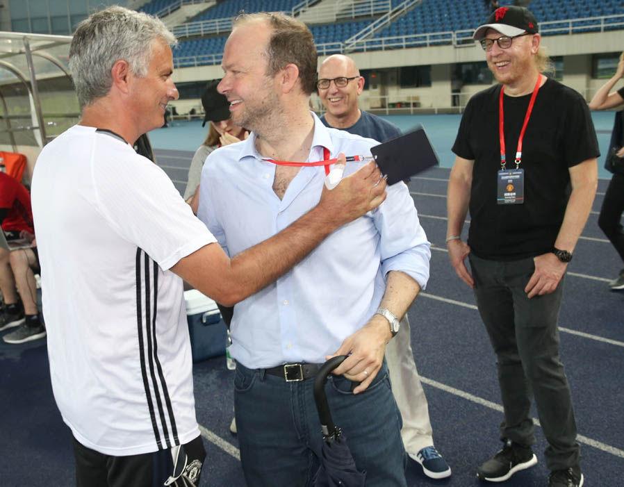 Ed Woodward là chuyên gia thất bại? Đừng để Mourinho đánh lừa bạn! - Bóng Đá