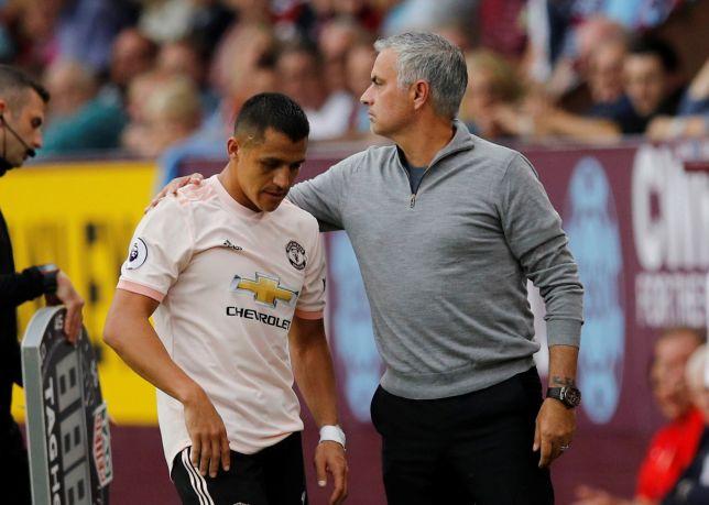 Paddy Crerand mách Mourinho cách xài Sanchez - Bóng Đá