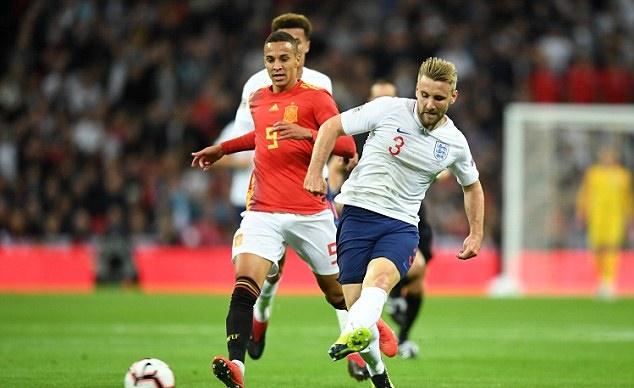 Mourinho gọi cho Shaw trước thềm mùa giải - Bóng Đá