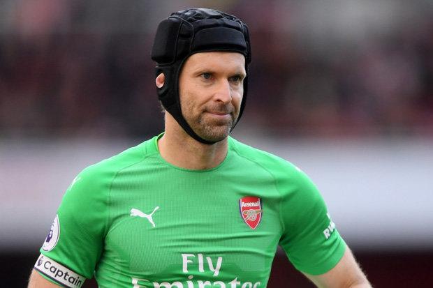 Cech tỏa sáng, Emery gửi thông điệp đến Leno - Bóng Đá