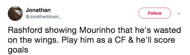 Fan M.U ném đá Mou vì Rashford ghi bàn - Bóng Đá