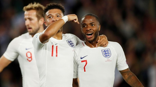 Sterling hails Sancho: 'He was in my room begging me to square one ' - Bóng Đá