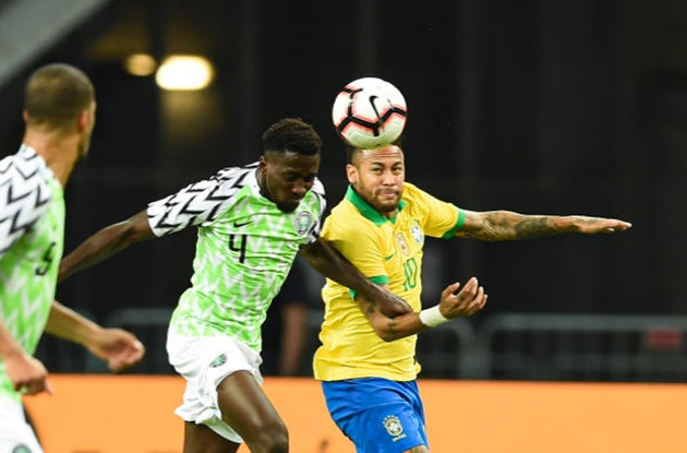 Neymar left the ground after 12 minutes - Bóng Đá