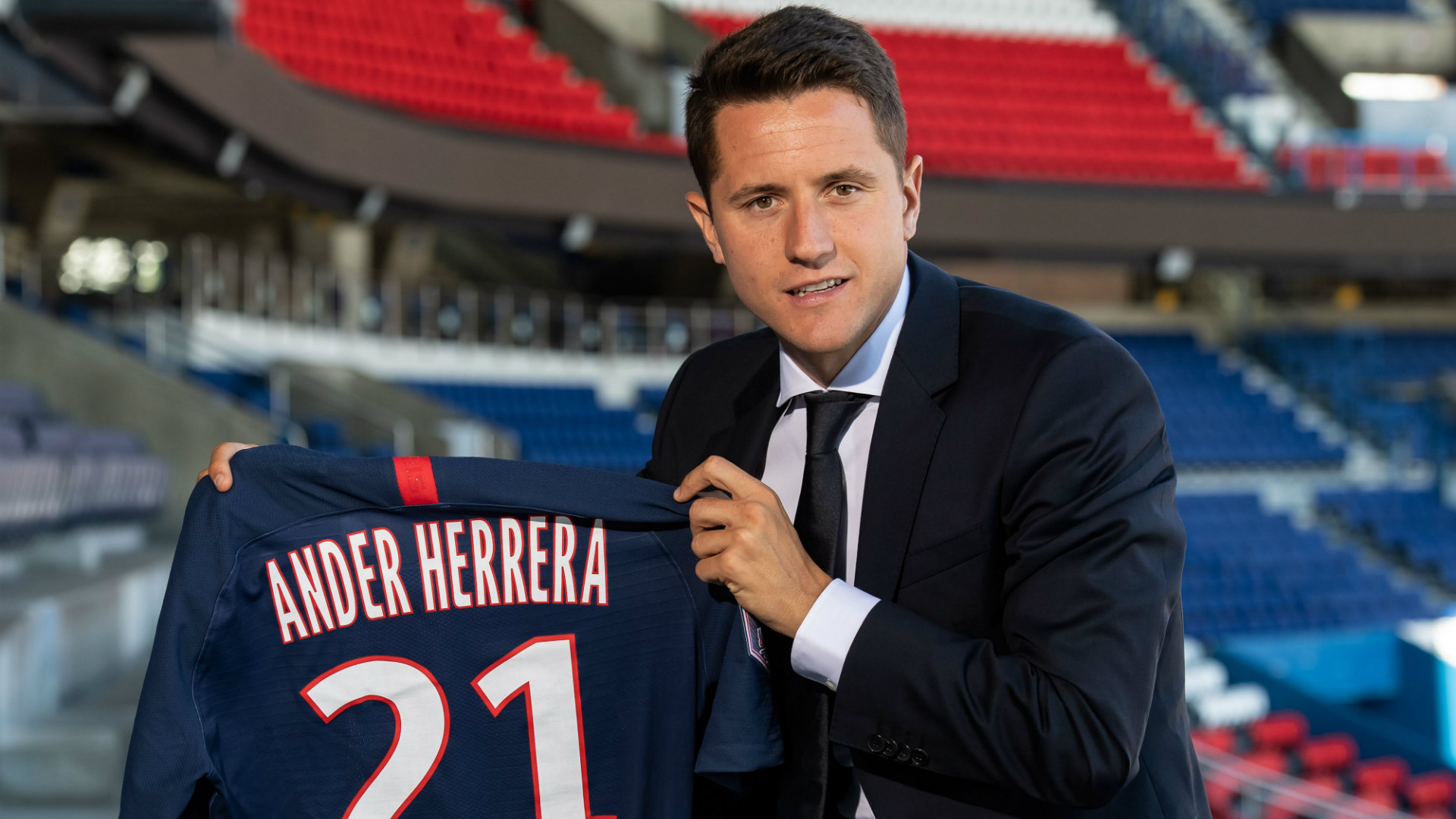 Ander Herrera says football not always 'considered most important thing' at Manchester United - Bóng Đá