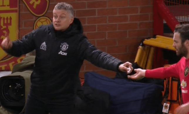 Ole Gunnar Solskjaer explains note he passed Juan Mata during Manchester United's win over Wolves  - Bóng Đá
