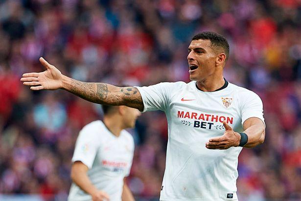 Liverpool informed of Diego Carlos transfer stance as Sevilla drop asking price - Bóng Đá