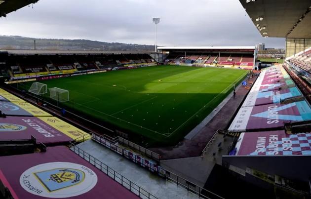 Burnley vs Fulham postponed after more positive Covid-19 cases - Bóng Đá