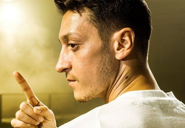 Mesut Ozil fuels Fenerbahce transfer rumours and rules out joining Schalke - Bóng Đá