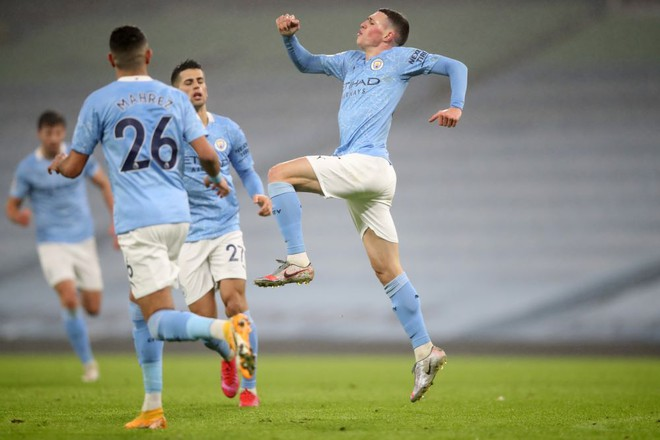 Pep Guardiola reacts to Phil Foden's display   - Bóng Đá