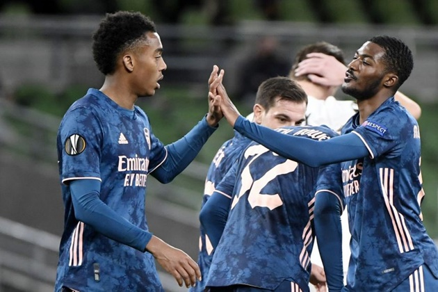 Maitland-Niles joins West Bromwich Albion and Joe Willock joins Newcastle United on loan - Bóng Đá