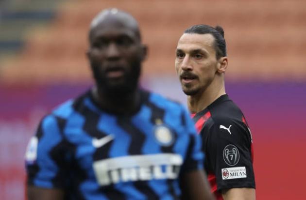What Zlatan Ibrahimovic was seen doing after Romelu Lukaku's superb solo goal in Milan derby - vỗ tay - Bóng Đá
