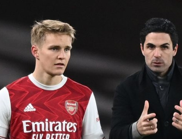 Mikel Arteta admits Martin Odegaard is Arsenal's team leader in hint at permanent deal - Bóng Đá
