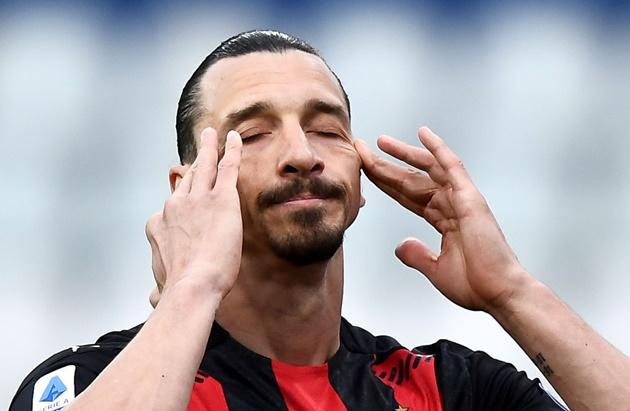 Ibrahimovic bị đuổi, AC Milan thắng - Bóng Đá