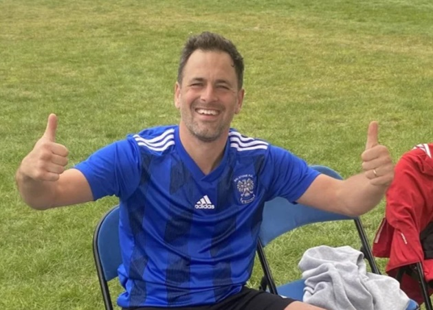 Ex-Chelsea star Joe Cole plays for non-league side Belstone FC leaving fans stunned… but forgets his boots - Bóng Đá