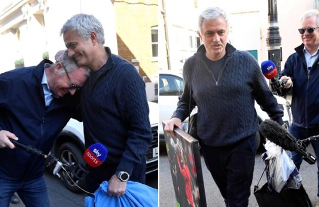 'I'm always in football' - Jose Mourinho promises immediate comeback after Spurs sacking - Bóng Đá
