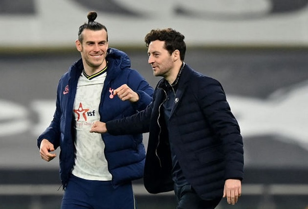 Gareth Bale hat-trick leaves Tottenham wondering what might have been had Jose Mourinho trusted him more - Bóng Đá