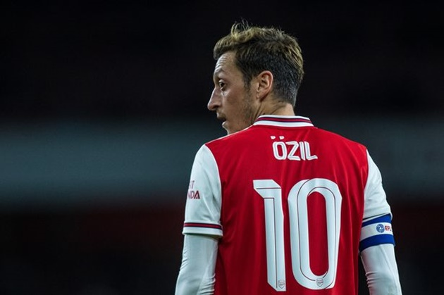 Two Arsenal stars have asked for Mesut Ozil's iconic No.10 shirt    - Bóng Đá