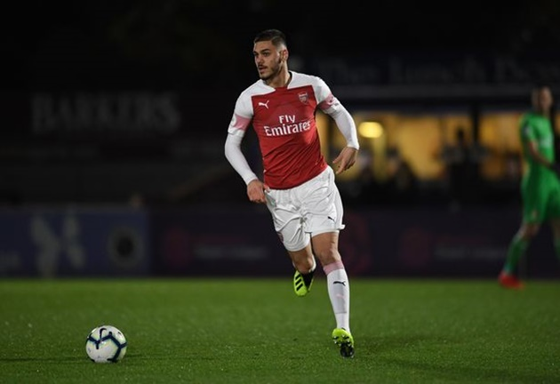 Defender Konstantinos Mavropanos has told Arsenal he does not want to be at the club next season - Bóng Đá