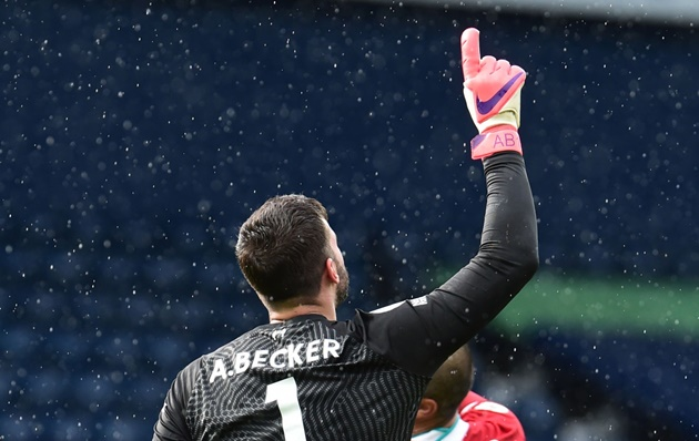 Emotional Liverpool goalkeeper Alisson dedicates dramatic winner against West Brom to late father    - Bóng Đá