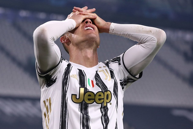UEFA và quyết định gây chấn động bóng đá thế giới - Bóng Đá