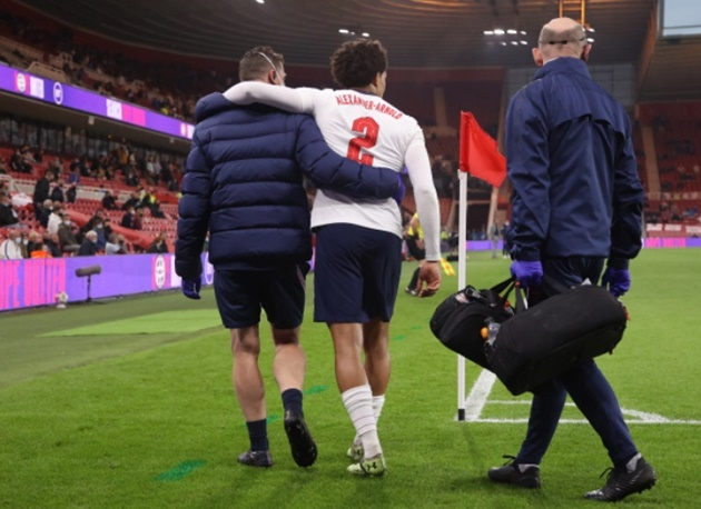 Trent Alexander-Arnold limps off late on against Austria as England suffer major injury blow in 1-0 friendly win - Bóng Đá