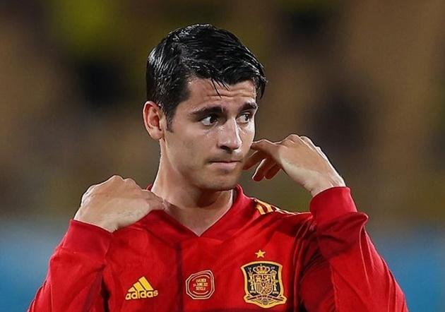 Chelsea flop Alvaro Morata responds to criticism after shocking miss vs Sweden - Bóng Đá