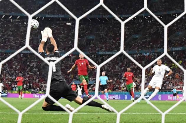 TRỰC TIẾP Pháp 0-1 Bồ Đào Nha (H1): Les Bleus bối rối - Bóng Đá