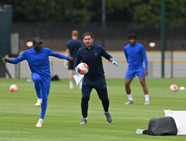 Frank Lampard admits N'Golo Kante's only 'problem' was running too much in Chelsea training - Bóng Đá
