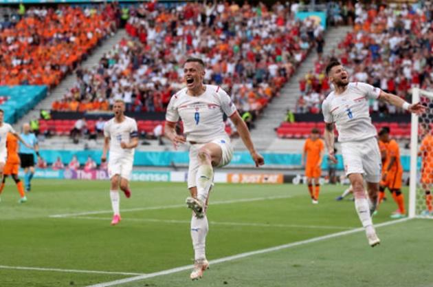 TRỰC TIẾP Hà Lan 0-1 CH Czech (H2): Sức ép vỡ bờ - Bóng Đá