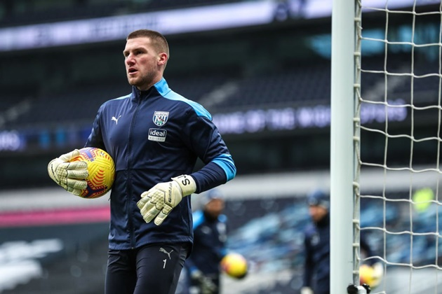 Arsenal and West Ham boost as Ismael confirms he expects Johnstone to leave - Bóng Đá