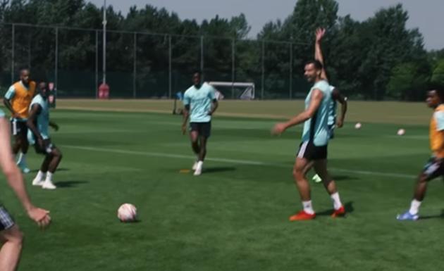 Mari pulled up Arsenal's new boy, Albert Sambi Lokonga in training - Bóng Đá