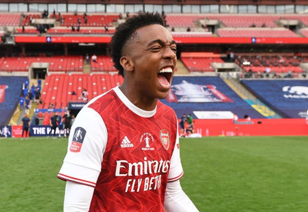 Newcastle manager Steve Bruce is still trying desperately to find out if Arteta intends to put Joe Willock in his plans or not - Bóng Đá