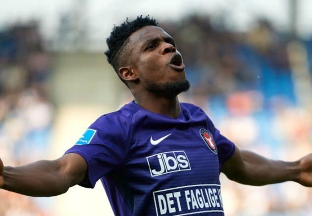 'I've never seen a midfielder like him' - Brentford's Onyeka picks - Bóng Đá