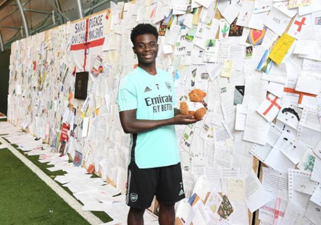 Bukayo Saka sends emotional message to Arsenal fans as Gunners star returns to training - Bóng Đá
