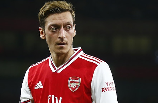 Martin Odegaard responds to Mesut Ozil comparisons and tells Arsenal fans 'results will come' after difficult start - Bóng Đá