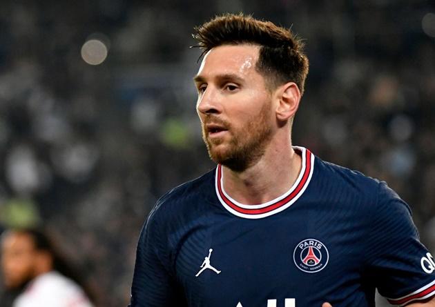 Pep Guardiola: Man City boss admits seeing Lionel Messi playing for Paris Saint-Germain is unusual - Bóng Đá