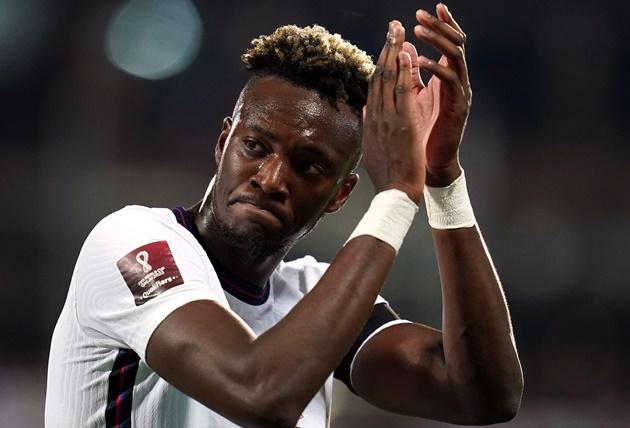 Bukayo Saka impressed by workrate of England team-mate Tammy Abraham - Bóng Đá