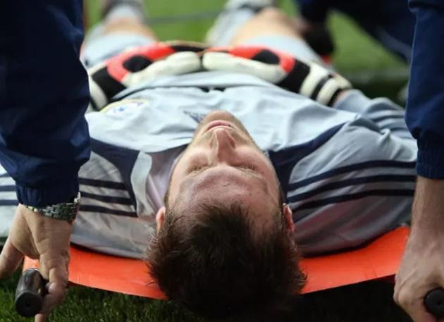 Petr Cech column: Reflections on my head injury 15 years on - Bóng Đá