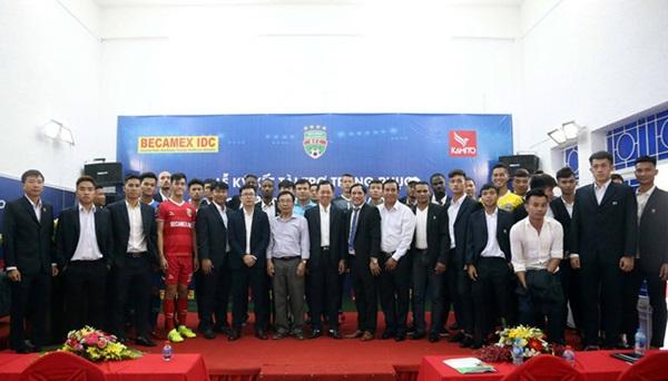 Anh Đức từ chối CLB Thái Lan, ở lại xây mộng vô địch V-League - Bóng Đá
