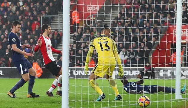 Kane nổ súng, Tottenham vẫn không thể đánh sập pháo đài St Mary's - Bóng Đá