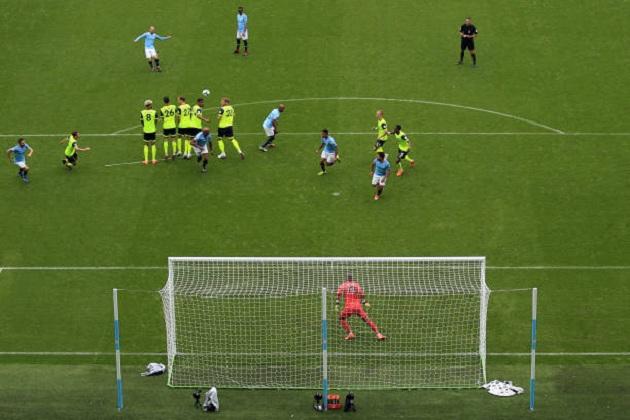 TRỰC TIẾP Man City 4-1 Huddersfield: Aguero đưa bóng chạm cột (H1) - Bóng Đá