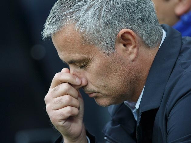 3 sai lầm lớn nhất của Mourinho khiến Man Utd sa lầy - Bóng Đá