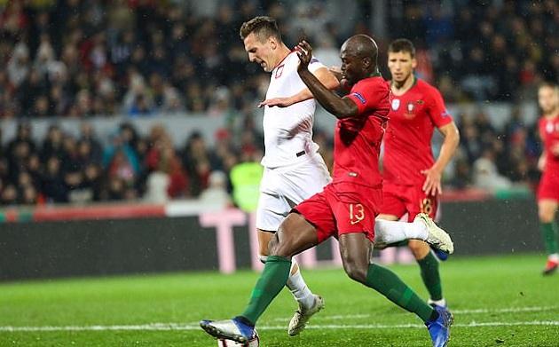 5 điểm nhấn Bồ Đào Nha 1-1 Ba Lan: Thẻ đỏ và lời cảnh cáo đanh thép cho học trò Fernando Santos - Bóng Đá
