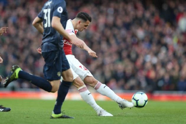 Chuyển nhượng Arsenal: Emery sang Serie A tìm