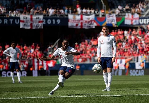Thụy Sĩ trở tay không kịp khi HLV Southgate đưa thủ thành Pickford lên đá phạt đền - Bóng Đá