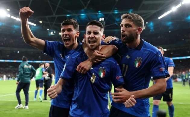 Italia trước trận Chung kết: Cuộc chiến của những người bị ruồng bỏ - Bóng Đá